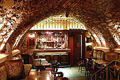 click to view an enlargement of the stone vaulted Keep Bar dating from 1530